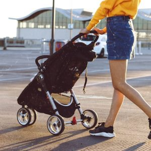 Best Stroller For Tall Parents (2021 Review)